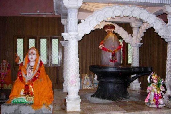 shankaracharya-samadhi-kedarnath-ho-kedarnath-tourist-attraction-20soveo