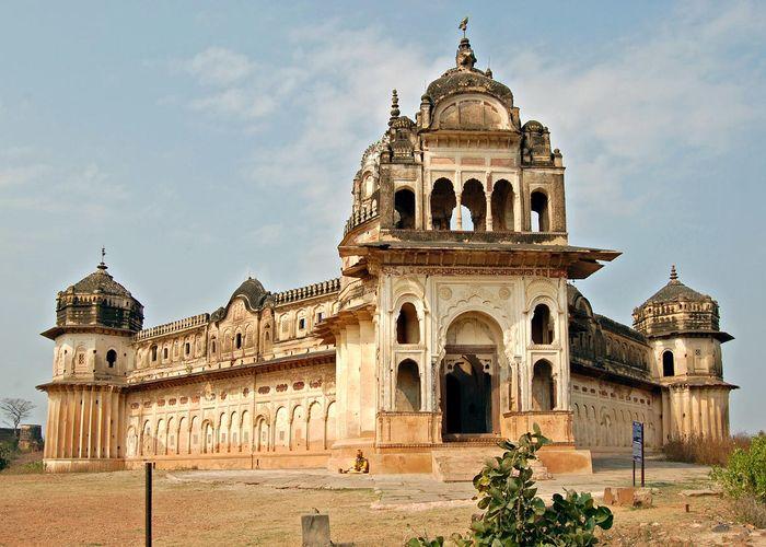086927613Orchha_Laxmi_Narayan_Temple_Main