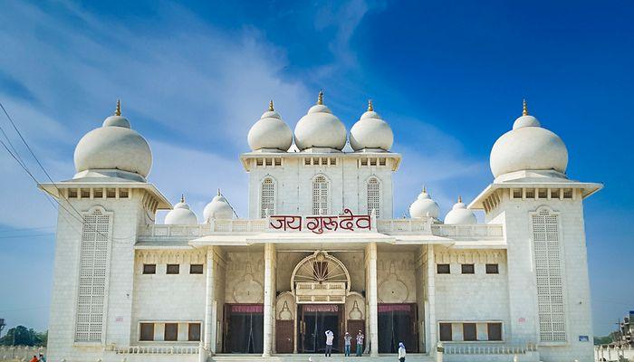 Jaigurudev-mandir-Mathura