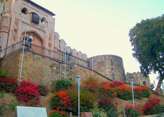 jhansi-fort.v1