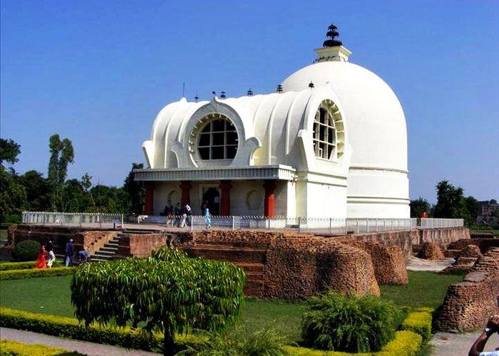 mahaparinirvana-and-parinirvana-stupa-temple_1